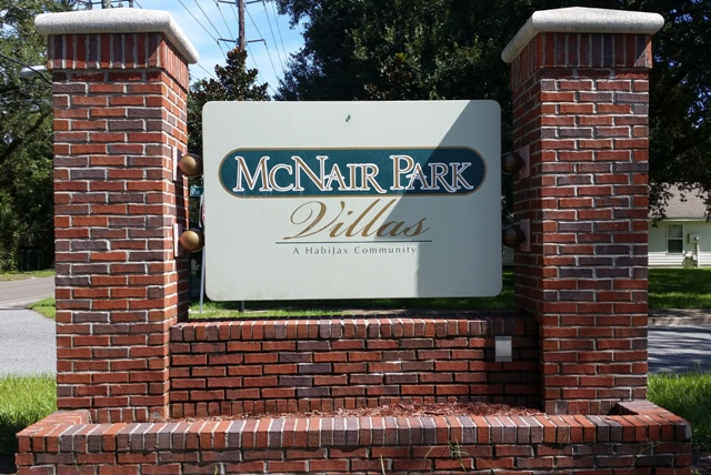 McNair Park Villas Sign